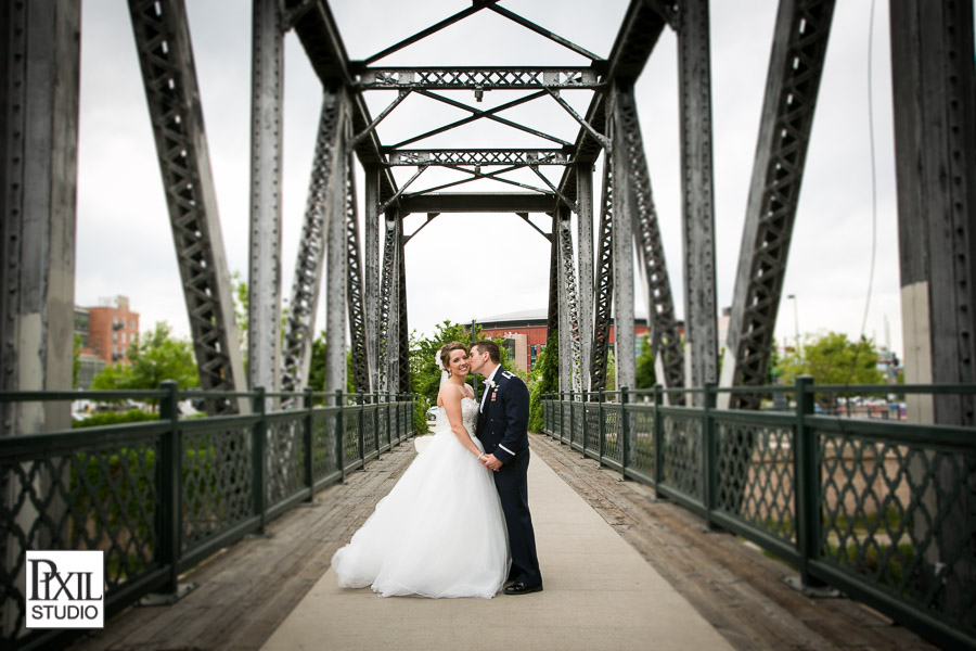 bridal wedding pics bridge